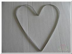 Draadframe Hart Hartvormig frame 20 cm. enkel grijs Hartframe