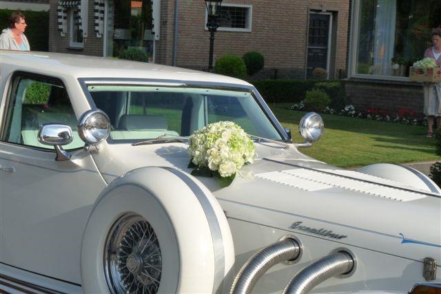 Foto's van Klanten - Bloemstukken voor op de auto