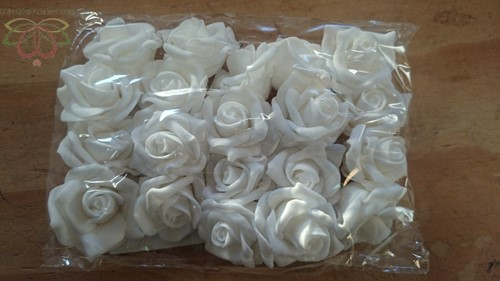 foam rose Wit 4cm. 20pc zak foam Spierwit4c