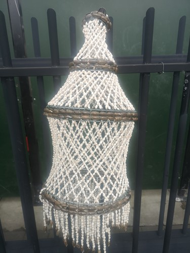 Schelpenlamp/ lampion  Lampu Inol Schelpenlamp/ lampion diameter 30 cm h +/- 50
