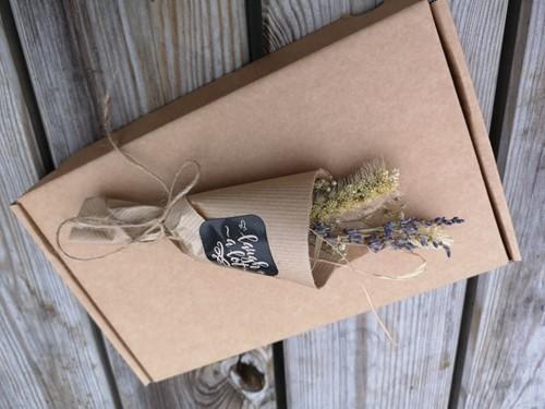 Natural Happiness Stuur een boeketje - Effen met Lavendel Natural Happiness Gift